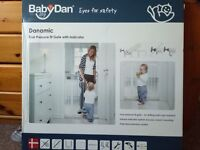 True pressure fit gate by Mothercare