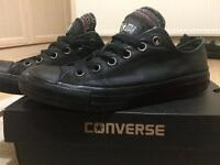 Black all star low converses