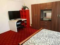 Large Double Bedroom in Kenton-HA3