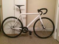 ULTRALIGHT-WEIGHT FIXIE (fixed gear bike)