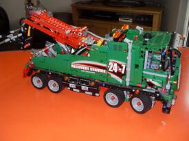 Lego Technics Service/Breakdown Truck.