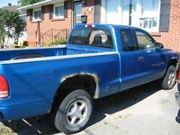 2000 Dodge Dakota Pickup (REDUCED TO SELL $1100.00 AS IS)