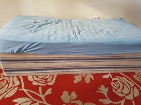 Single bed base with mattresses £35