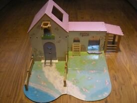Daisy Farm Wooden Toy Set (Excellent Condition)