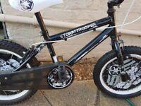 Official Star Wars 16inch bike