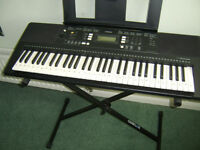 YAMAHA ELECTRIC ORGAN BRAND NEW