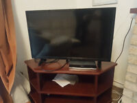 Celcus 32 inch HDTV - Needs to be collected from witney ASAP