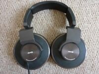 AKG 550 Reference Headphones