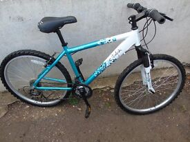Girls/Ladies Bicycle - Apollo Twilight - Ideal Xmas Present-Good Condition