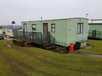 6 birth caravan to let at thornwick bay