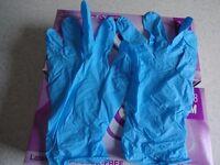 2 Boxes x 100 Nitrile gloves