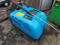 Edge Panther 240v Diesel Electric Hot/Cold Pressure Washer. FREE PALETT SHIPPING