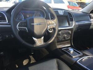 2015 CHRYSLER 300 TOURING- SUNROOF, HEATED SEATS, REAR VIEW CAME Windsor Region Ontario image 13