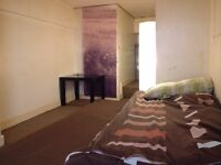 Box Room. from 24th of February. 225 per month. Tollcross
