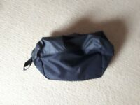 NIKE SPORTS BAG FOR FOOTBALL BOOTS/SHOWER BATHROOM BAG BRAND NEW