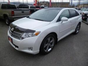 2010 Toyota Venza AWD  Leather/Roof