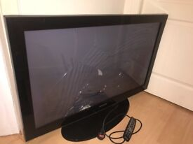 Samsung TV smashed screen for spares or repairs