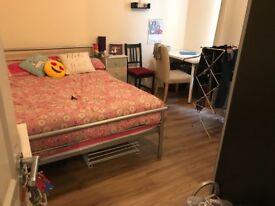 Double room to rent in Neasden, Dollis Hill