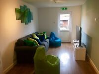 STUDENTS CHECK THIS OUT 5 Bedroom House To Let, Beeston, Nottingham (Near University) - SPEEDY1806