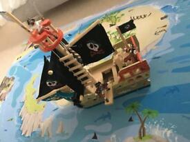 Wooden pirate ship & mat toy