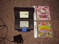 NINTENDO DS LITE MINT CONDITION WITH GAMES