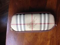 Burbury sunglasses case