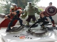 Disney Infinity characters and portal