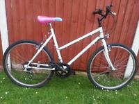 Ladies Mountain Bike in Excellent Condition