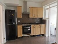 Spacious 4 Bedroom House with Large Garden & Garage with Back Entrance in Dagenham RM10