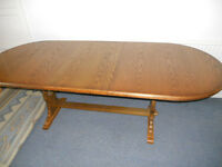 Large Oak Extending Dining Table