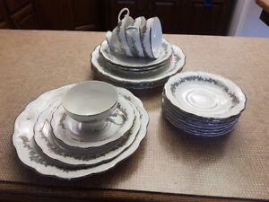 Tea set - Queen Ann
