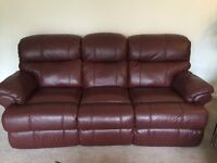 3 & 2 Seater Harveys Recliner Sofas in Great Condition with Leather Care Kit
