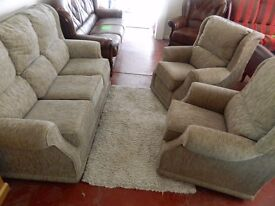 New fabric suite 3+1+1 ONLY £500