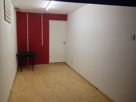 Workspace/Storage Unit(s) To Let with Electricity-Southall-Immediately Available - 160sq ft