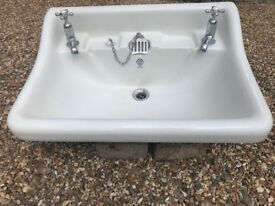 antique bathroom basin made by John Bolding, Grosvenor Works, London W1. square 650x470