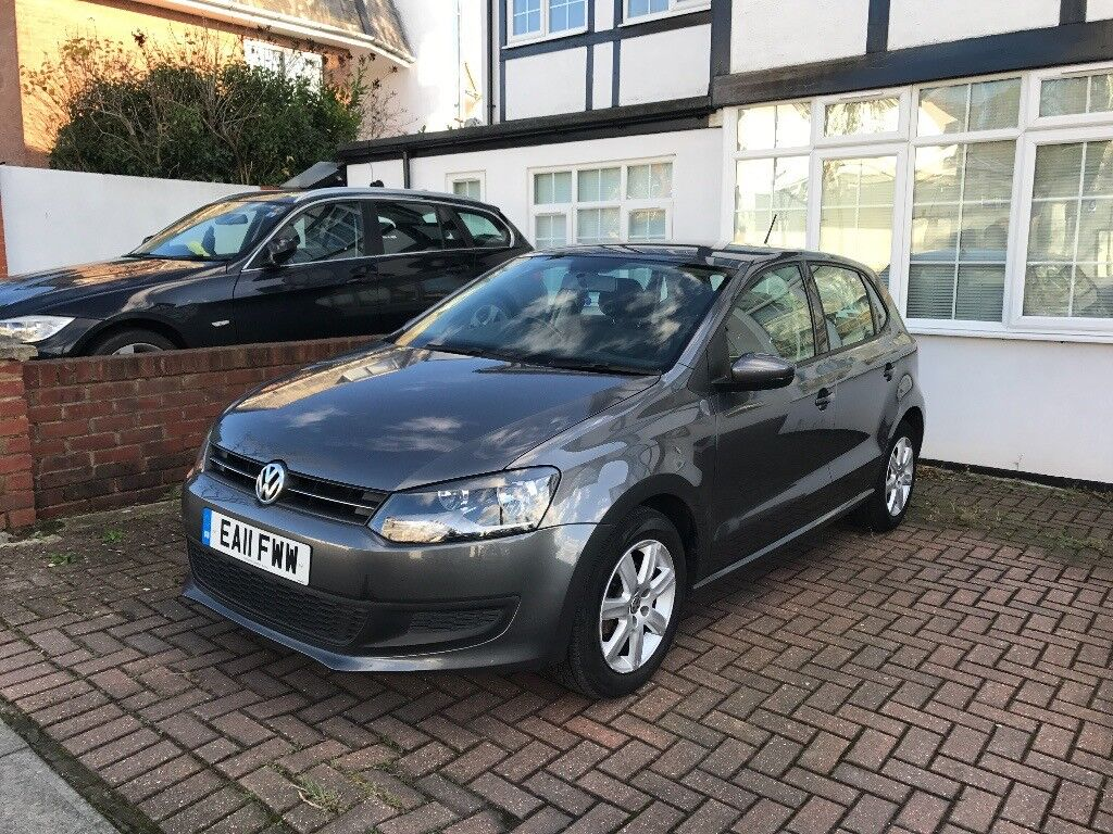 1 2 Grey Volkswagen Polo 2011 In Great Condition With