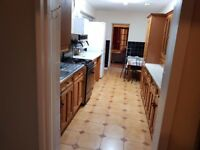 BEDFORD Victorian 3/4 Bed Semi house to Rent. Close to Town centre