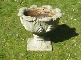 Vintage Cast Stone Open Leaf Design Pedestal Planter Garden Pot 41 Cm Tall
