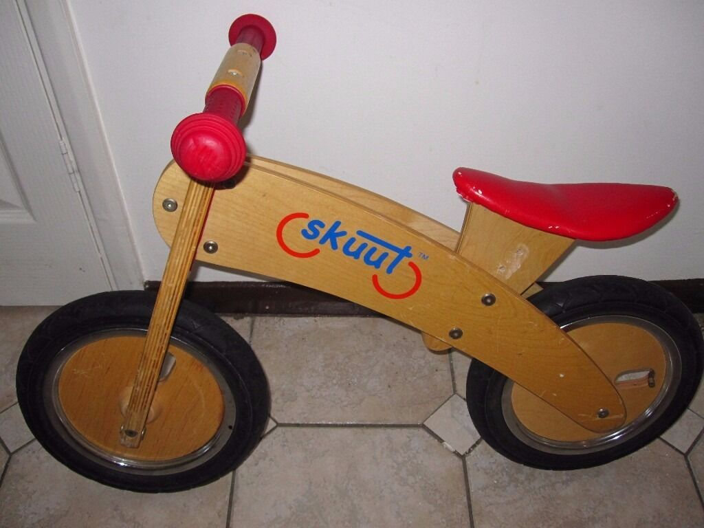 Skuut Wooden Balance Bike Kids Adjustable Seat Pumped Wheels In