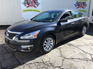 2013 Nissan Altima 2.5 S, Steering Wheel Controls,. Only 37,000k