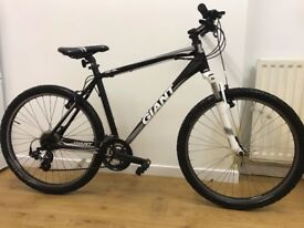 Giant Mountain Bike (Bicycle) Black & White (L) - Good Condition