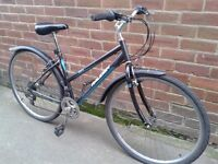 £60 Ladies Bike Raleigh Alana Hybrid Bicycle For Sale