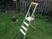 2370004 Tubesca MP Pro Industrial Platform Step Ladder 4 Tread EN131 150kg