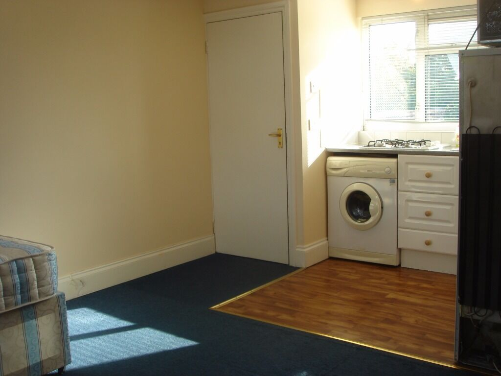 STUDIO FLAT, SOMERTON ROAD, CRICKLEWOOD, NW2