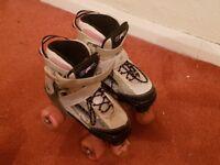 Girls adjustable roller skates size 12-2 £10.