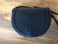 Tory Burch massenger leather bag