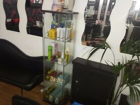 Glass shop display unit