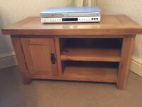 Solid TV oak unit