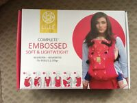 Brand new in box baby carrier sling lillebaby complete embossed pewter