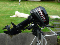 Mercury 15hp 2 Stroke Shortshaft Outboard - with engine stand - as new condition